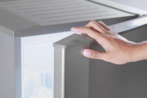 Не морозит холодильник, но работает: в чем причина поломки